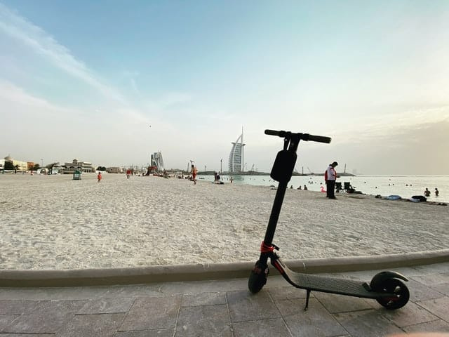 Is een elektrische step in Rotterdam legaal?